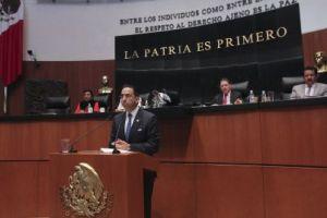 Javier Lozano Alarcón, senador del PAN, fundamentó el dictamen que ratifica a los comisionados del Instituto Federal de Telecomunicaciones.